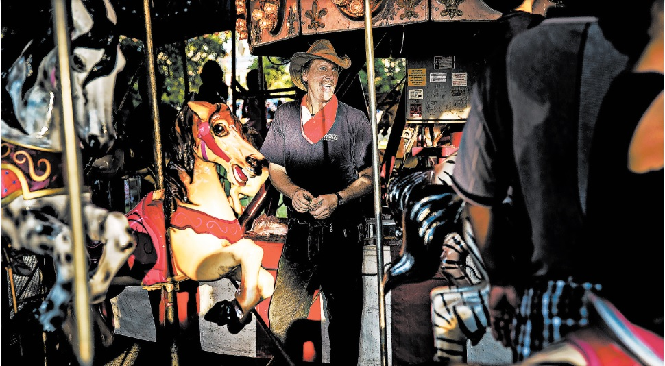 Carnivals Chicago Tribune Picture of Comerford